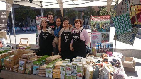 Pueblos Hermanos en la Lonja del Comercio Justo de Zaragoza